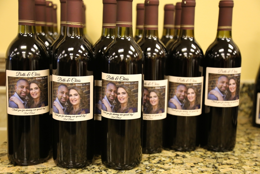 Wedding Gifts Wine: Custom Wine Bottle Wedding Favors