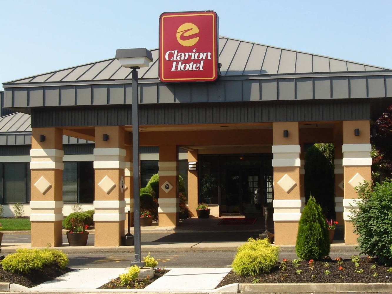 Clarion Hotel & Conference Center in Toms River NJ