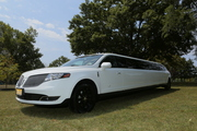 Lincoln MKT Limo 14P by Santos VIP Limousine | New Jersey Weddings