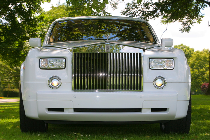 Rolls Royce Phantom by Santos VIP Limousine | New Jersey Weddings