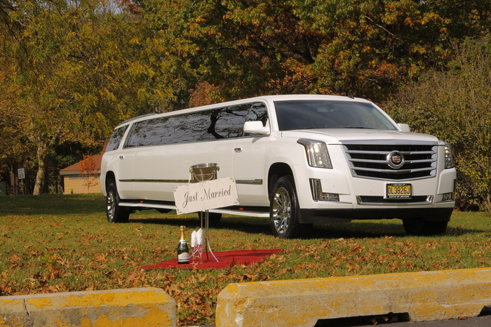 Cadillac Escalade ESV Stretch Limo by Santos VIP Limousine | New Jersey Weddings