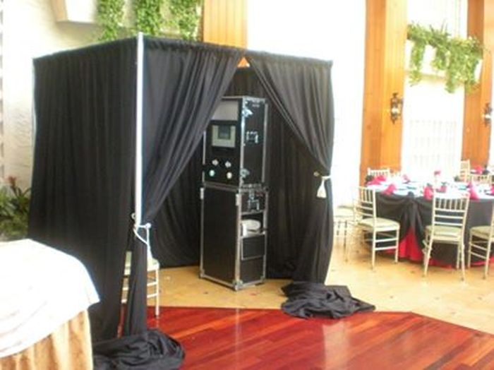 Photo Booth | Pure Platinum Party Entertainment