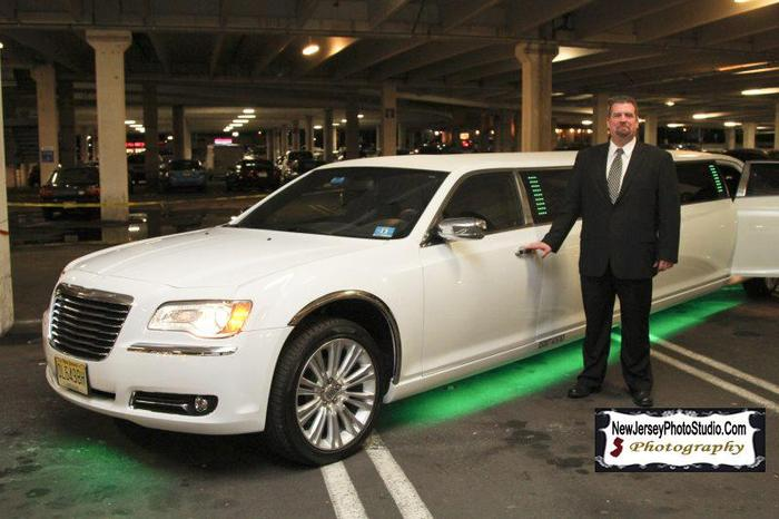 Chrysler 300 Stretch Limo | Action Limousine