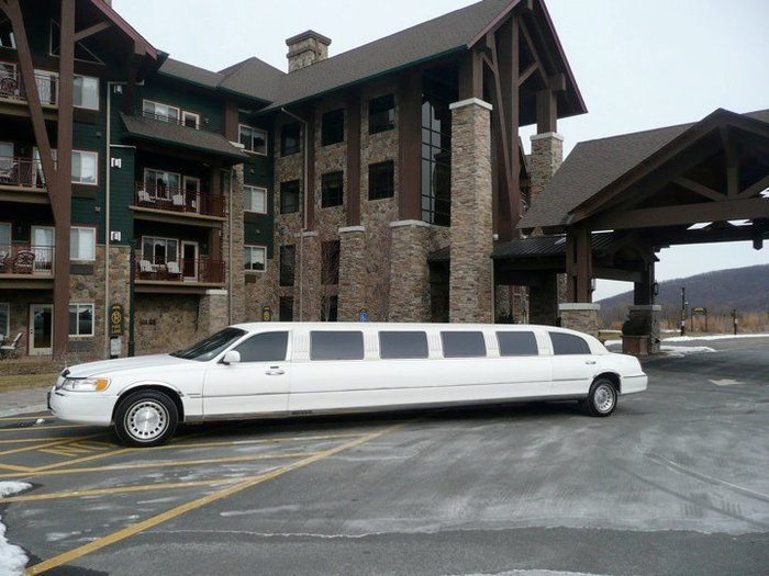 Stretch Limo | Wedding Day Transportation | Action Limousine