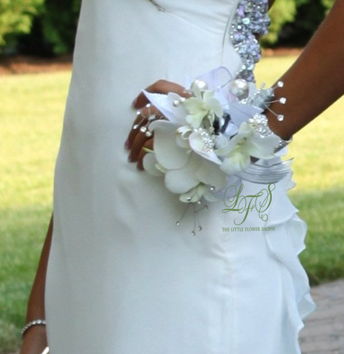 The Little Flower Shoppe Weddings: Country Club Elegance