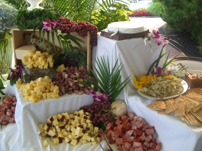 Creative Displays: The Ultimate Caterer