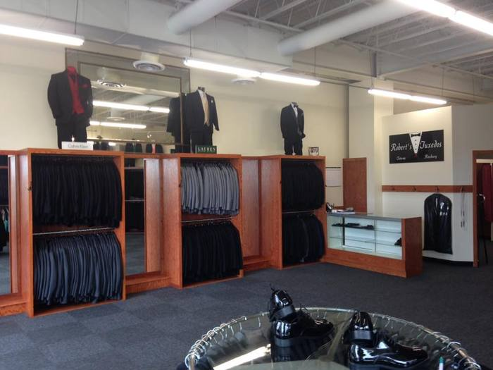 Robert's Tuxedos is located at 125 Route 46 West in Totowa, NJ