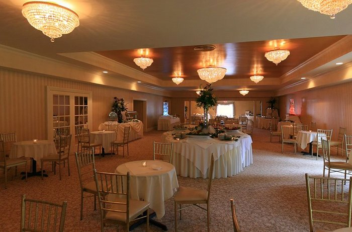 The Empire Club Weddings: Astoria Room