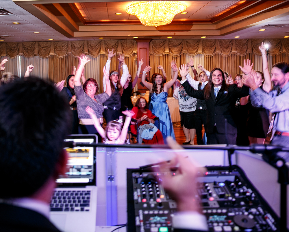 Jeron Music DJ & Photo Booth Entertainment: DJs For NJ Weddings