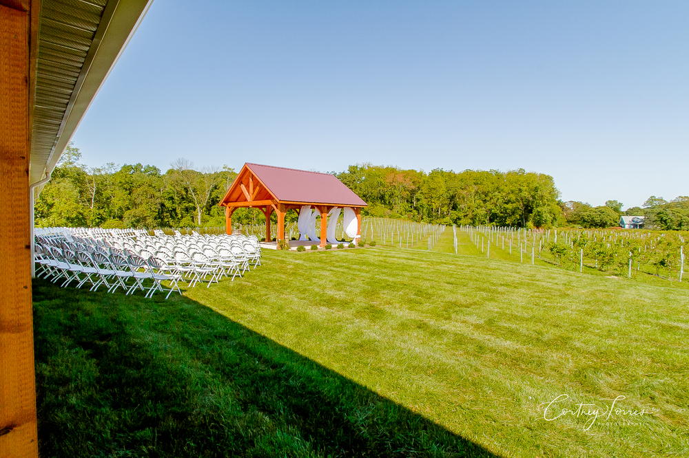 Brook Hollow Winery | Columbia, NJ | Vineyard Weddings