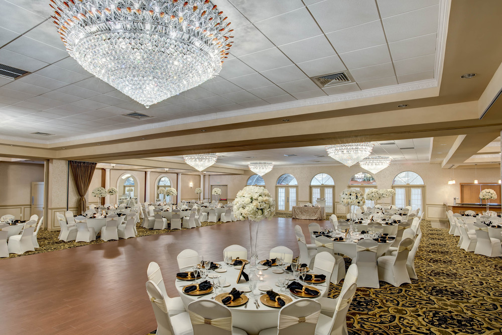 Versailles Ballroom | Ramada Hotel & Suites Toms River | New Jersey Weddings