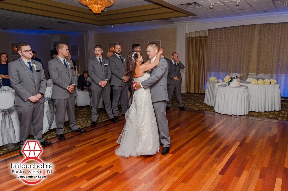 Clarion Hotel Weddings | Toms River, NJ | Photos by Untouchable Entertainment