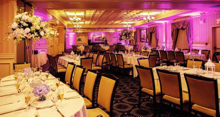 Weddings at the Mercer Ballroom at the Hilton Garden Inn Hamilton