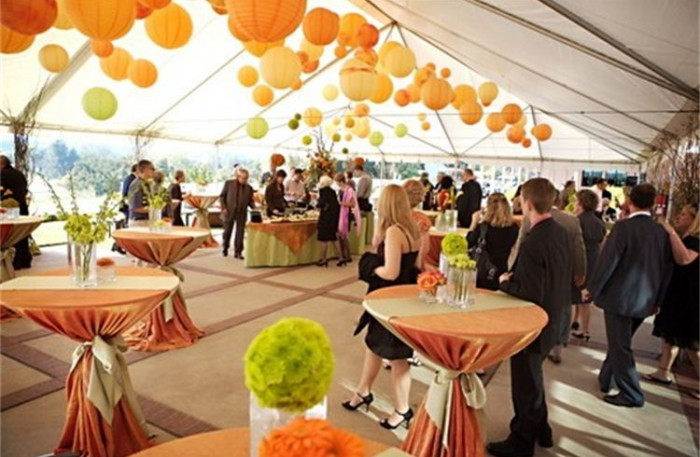 Cocktail-Styled Receptions vs. Traditional Receptions | Xplosive Entertainment