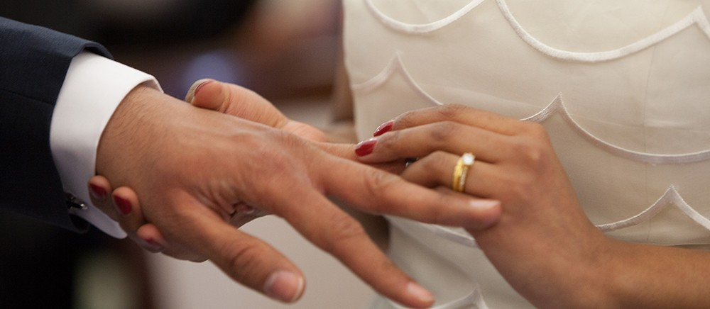 how to wear engagement and wedding rings