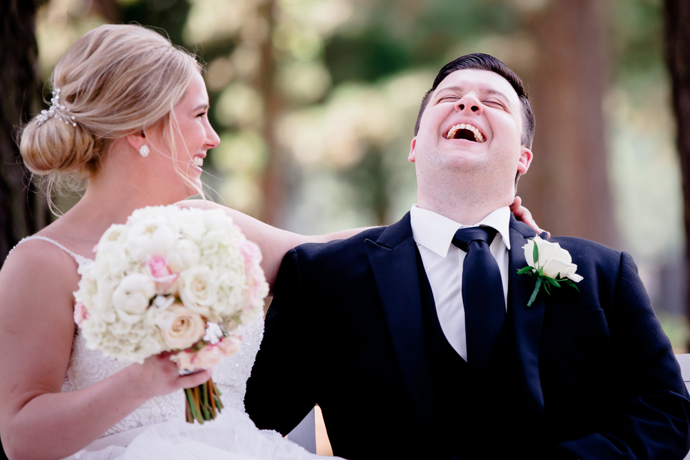 Completely Candid and Carefree Wedding Photos